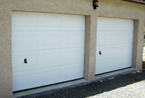 Automatisme portails residence porte de garage for Porte de garage 06